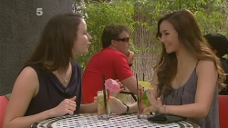 Kate Ramsay, Jade Mitchell in Neighbours Episode 6121