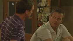 Paul Robinson, Michael Williams in Neighbours Episode 6122