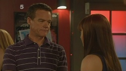 Paul Robinson, Summer Hoyland in Neighbours Episode 6122