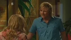 Natasha Williams, Andrew Robinson in Neighbours Episode 6122