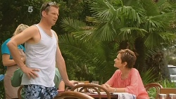 Michael Williams, Susan Kennedy in Neighbours Episode 6123