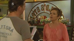 Lucas Fitzgerald, Susan Kennedy in Neighbours Episode 6123
