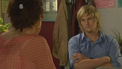 Susan Kennedy, Andrew Robinson in Neighbours Episode 6123