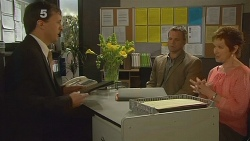 David Whitaker, Michael Williams, Susan Kennedy in Neighbours Episode 6123