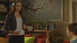 Kate Ramsay, Callum Jones, Sophie Ramsay in Neighbours Episode 6125
