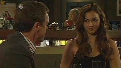 Paul Robinson, Jade Mitchell in Neighbours Episode 6125
