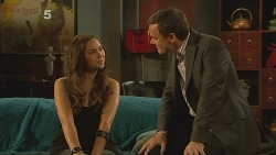Jade Mitchell, Paul Robinson in Neighbours Episode 6125