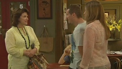 Lyn Scully, Toadie Rebecchi, Sonya Mitchell in Neighbours Episode 6128