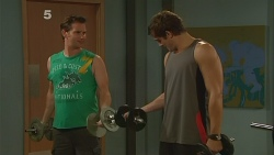Lucas Fitzgerald, Kyle Canning in Neighbours Episode 6129