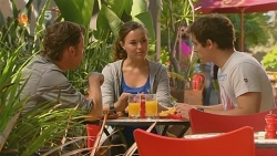 Lucas Fitzgerald, Jade Mitchell, Kyle Canning in Neighbours Episode 6129