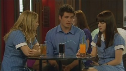 Natasha Williams, Chris Pappas, Summer Hoyland in Neighbours Episode 6130