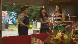 Lyn Scully, Summer Hoyland, Kate Ramsay in Neighbours Episode 6131