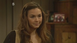 Jade Mitchell in Neighbours Episode 6133