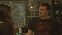 Jade Mitchell, Lucas Fitzgerald in Neighbours Episode 6134