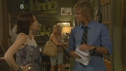 Libby Kennedy, Natasha Williams, Andrew Robinson in Neighbours Episode 6134