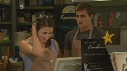 Kate Ramsay, Kyle Canning in Neighbours Episode 6135