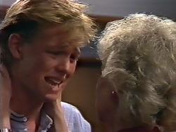Scott Robinson, Helen Daniels in Neighbours Episode 0505