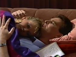 Daphne Clarke, Des Clarke in Neighbours Episode 0505