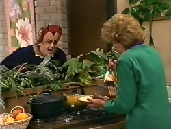 Henry Mitchell, Madge Mitchell in Neighbours Episode 0505