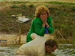Madge Bishop, Harold Bishop in Neighbours Episode 0506