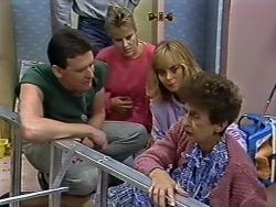 Des Clarke, Daphne Clarke, Jane Harris, Nell Mangel in Neighbours Episode 0507
