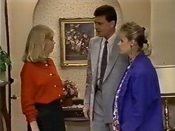 Des Clarke, Daphne Clarke in Neighbours Episode 0507