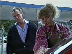 Jim Robinson, Charlene Mitchell in Neighbours Episode 0507