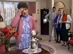 Nell Mangel, Des Clarke, Daphne Clarke, Jane Harris in Neighbours Episode 0507