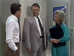Paul Robinson, Harold Bishop, Helen Daniels in Neighbours Episode 0508