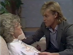 Helen Daniels, Scott Robinson in Neighbours Episode 0509