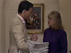 Des Clarke, Jane Harris in Neighbours Episode 0510