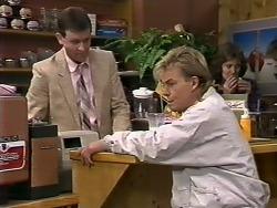 Des Clarke, Scott Robinson in Neighbours Episode 0510