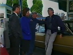 Paul Robinson, Gail Lewis, Rob Lewis, Jim Robinson in Neighbours Episode 0511