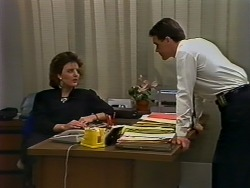 Gail Lewis, Paul Robinson in Neighbours Episode 0511