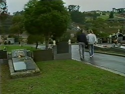 Jim Robinson, Scott Robinson in Neighbours Episode 0511