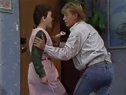 Lucy Robinson, Scott Robinson in Neighbours Episode 0512