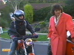Mike Young, Beverly Marshall in Neighbours Episode 0531