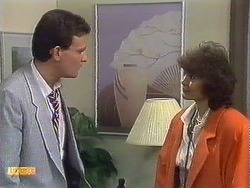Des Clarke, Beverly Marshall in Neighbours Episode 0532