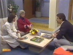 Beverly Marshall, Helen Daniels, Des Clarke in Neighbours Episode 0532