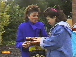 Gail Robinson, Lucy Robinson in Neighbours Episode 0533