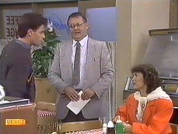 Mike Young, Harold Bishop, Beverly Marshall in Neighbours Episode 0533