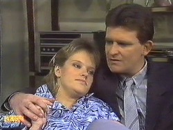 Daphne Clarke, Des Clarke in Neighbours Episode 0533