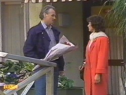 Jim Robinson, Beverly Marshall in Neighbours Episode 0533