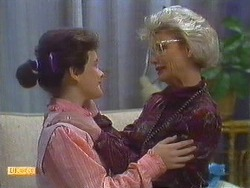 Lucy Robinson, Helen Daniels in Neighbours Episode 0556