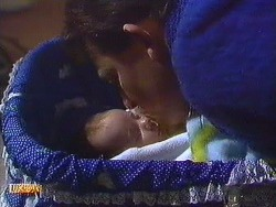 Jamie Clarke, Des Clarke in Neighbours Episode 0556