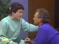 Lucy Robinson, Jim Robinson in Neighbours Episode 0557