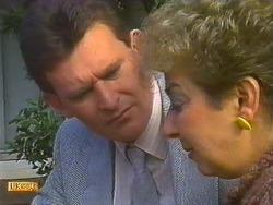 Des Clarke, Eileen Clarke in Neighbours Episode 0557
