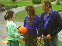 Lucy Robinson, Beverly Marshall, Jim Robinson in Neighbours Episode 0557
