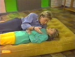 Scott Robinson, Charlene Mitchell in Neighbours Episode 0557