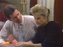 Des Clarke, Daphne Clarke in Neighbours Episode 0557